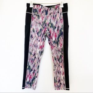 Lucy | Cropped Legging Black and Pink Mixed Print